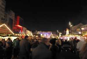 Weihnachtsmarkt Santa Pauli auf dem Spielbudenplatz. Foto: Z Thomas