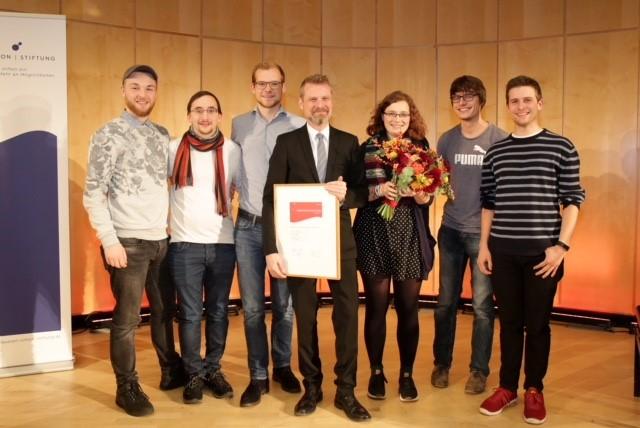 Sechs FINK.HAMBURG-Redakteure begleiteten Prof. Dr. Christian Stöcker zur Preisverleihung. Foto: Claussen-Simon-Stiftung