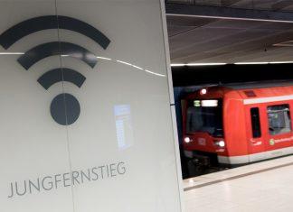 Hochbahn WLAN: Künftig soll es auch in der S-Bahn kostenfreies Internet geben. Foto: Daniel Bockwoldt/dpa