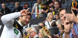 Handball-WM Finale: Uwe Gensheimer möchte heute Abend nicht nur Selfies mit den Zuschauern machen, sondern das WM-Finale erreichen.