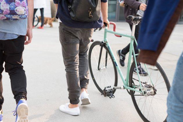 """Im Frühjahr 2019 starten Sicherheits- und Marketingkampagne als Teil der Radverkehrsförderung. Die Marketingmaßnahmen sollen """"das Fahrradfahren in Hamburg als einen urbanen Lebensstil"""" darstellen, die Sicherheitskampagne für ein besseres Miteinander und gegenseitige Rücksichtnahme werben. Foto: www.mediaserver.hamburg.de / Timo Sommer"""