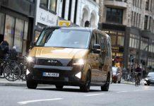 Diese Moia-Kleinbusse werden in Hamburg künftig häufiger zu sehen sein. Foto: dpa