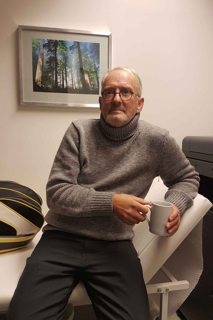 Der 66-jährige Ulli ist glücklich mit seinem Stoma. Foto: Lukas Gebhard