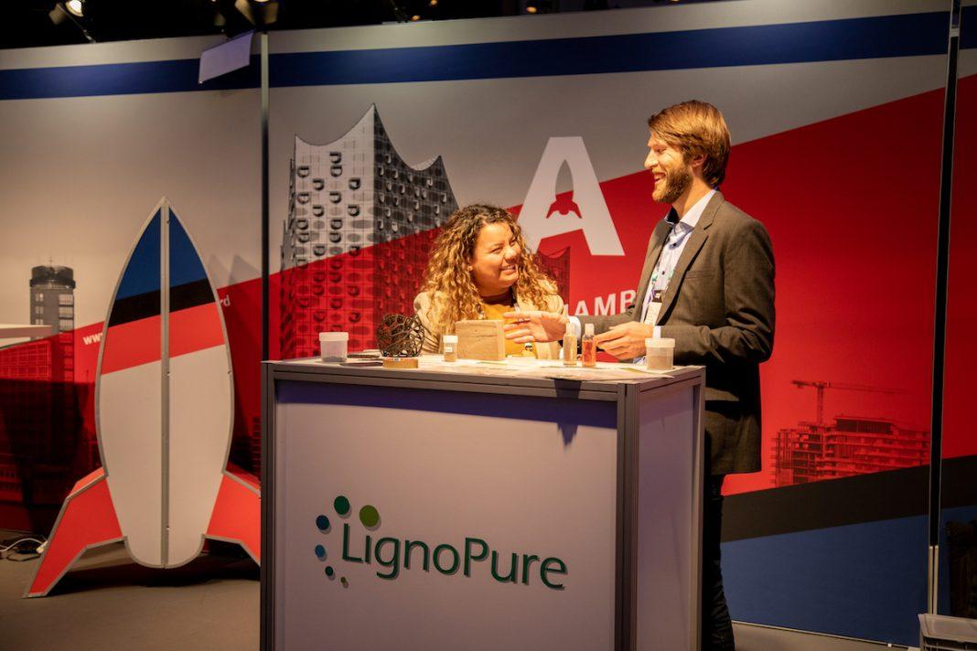Ligno Pure Stand bei der Award-Vergabe auf der Online Marketing Rockstars Digital-Messe