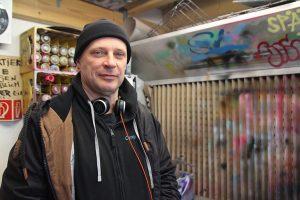 Olaf Terholz, Mitbegründer der Street Art School, im Atelier.