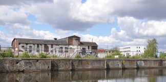 Das Soulkitchen-Gebäude vom Veringkanal aus.