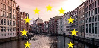 Montage: EU-Sterne auf dem Stadtbild von Hamburg