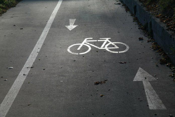 Bald bekommen Fahrräder in Hamburg auf Radwegen Konkurrenz.