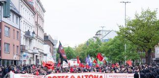 """Der Demonstrationszug """"Rotes Altona – Auf zu neuen Kämpfen"""" im Schanzenviertel"""