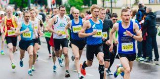 Läufer*innen eines Marathons. Foto: Pixabay