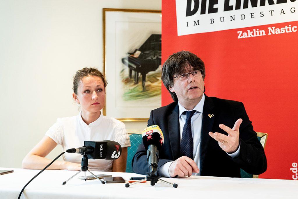 Nastic und Puigdemont bei der Diskussionsrunde in Hamburg.