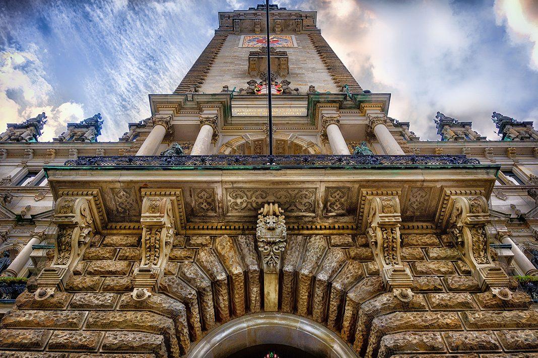 Blick auf das Rathaus Hamburg