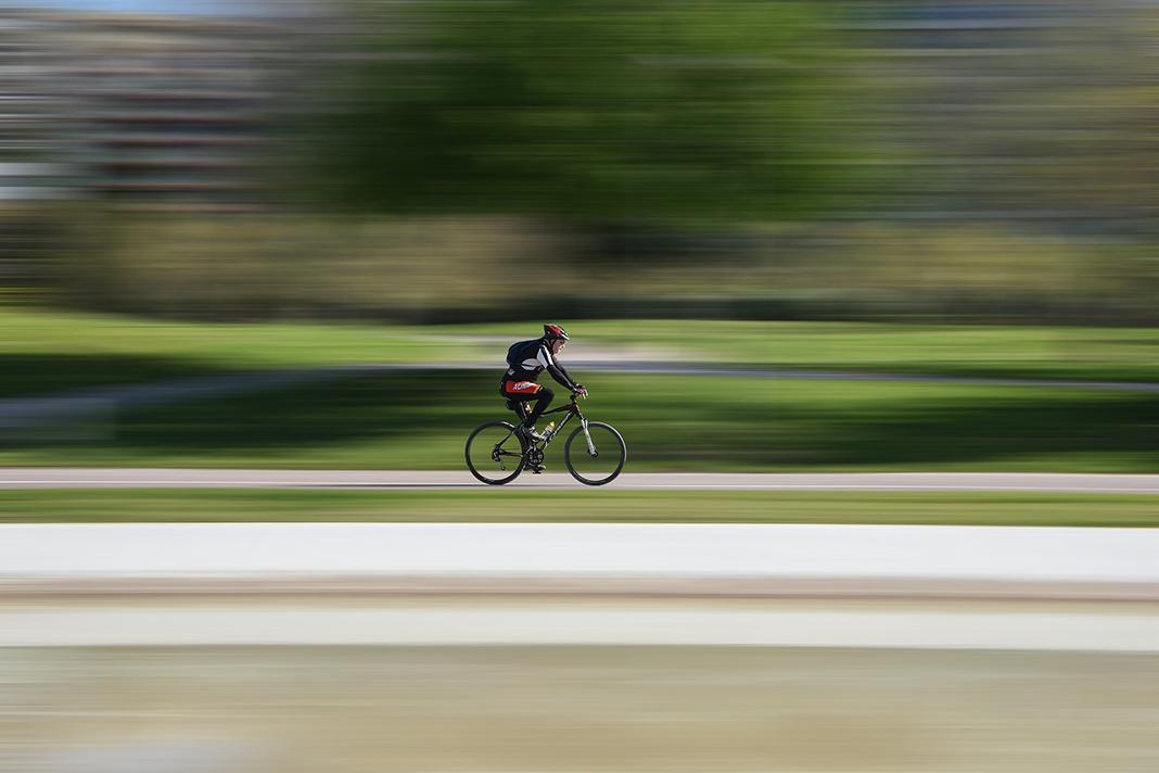 Mann auf dem Fahrrad.