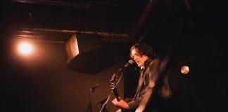 Frank Spieker von der Band Die Sterne spielt für die Erhaltung des Otzenbunkers.