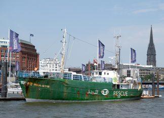 """Rettungsschiff """"Sea-Eye"""" im Hamburger Hafen."""