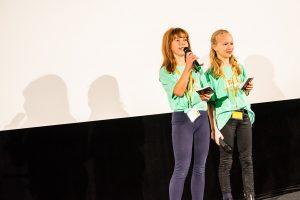 """Asya und Paola bei ihrer Anmoderation des Films """"Der unberührte See"""". Foto: Benjamin Eckert"""