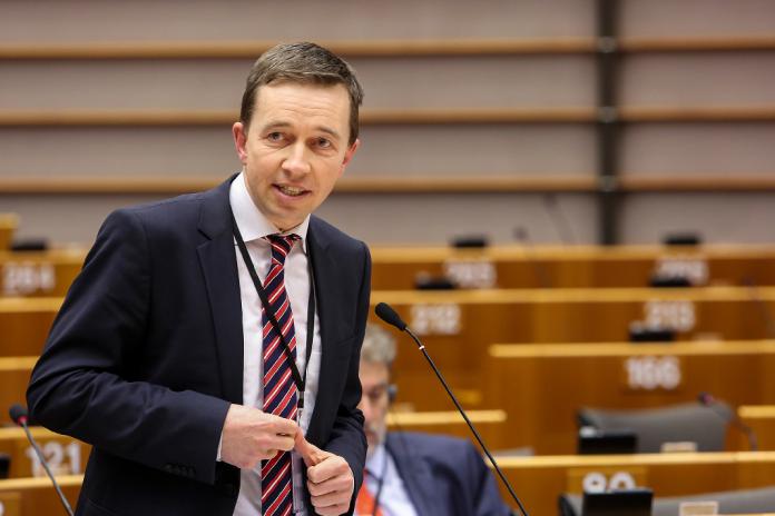 Bernd Lucke im Europaparlament