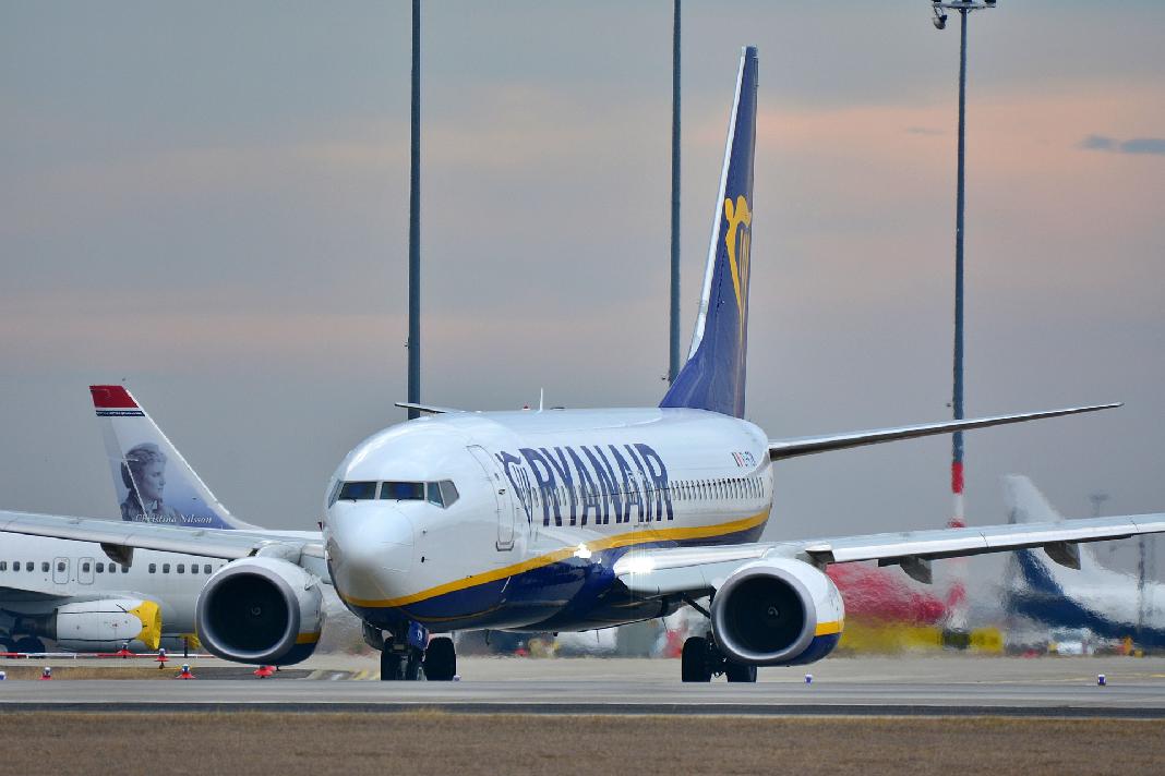 Weniger Billigflüge Ryan Air Streicht Verbindungen Fink