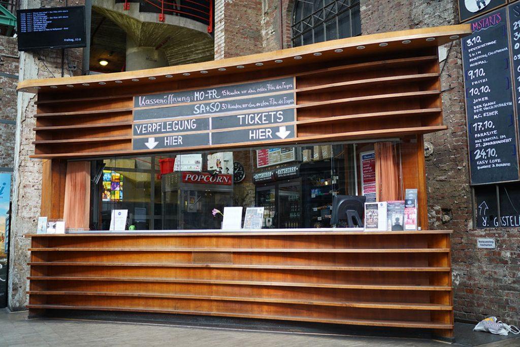Verkaufstresen-Zeise-Kinos