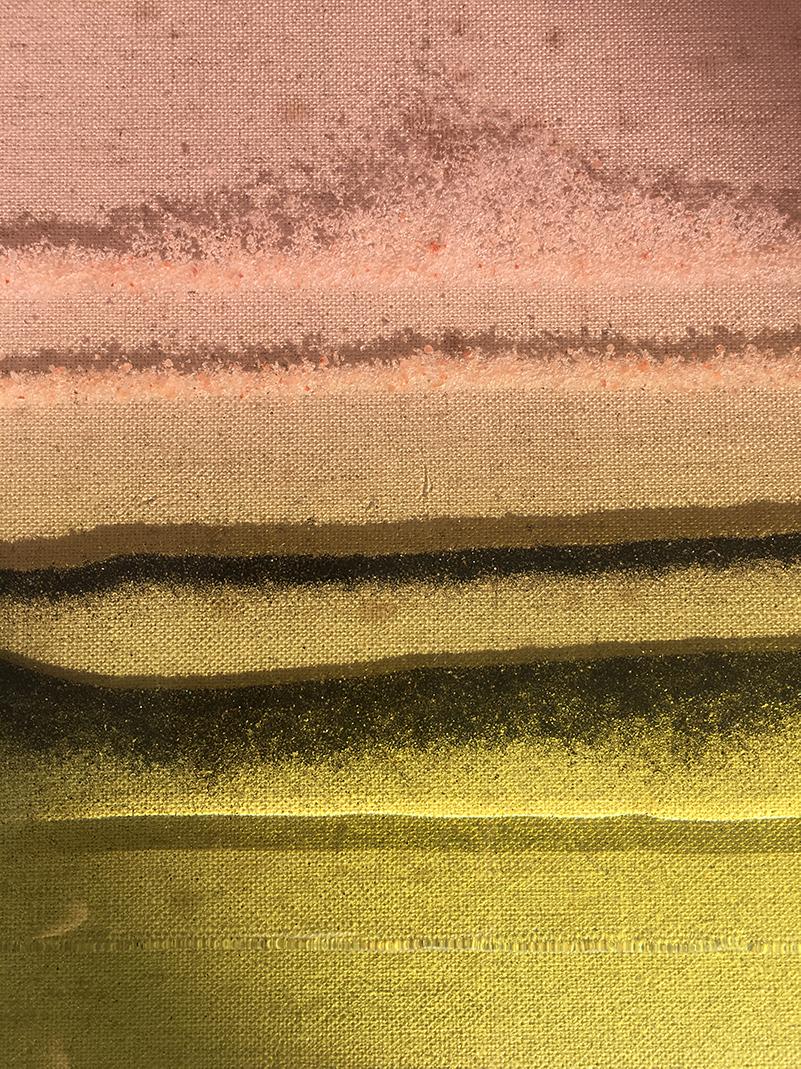 Rosa und grüne Farben in Schicht-Optik.