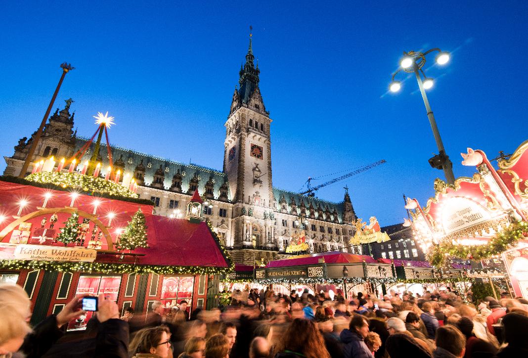 Weihnachtsmärkte-in-Hamburg-eröffnen