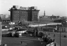 Grau in grau: Der Bunker auf dem Heiligengeistfeld. Foto: NDR/Hans Cantzler