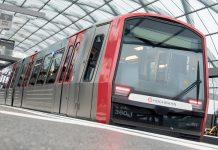 Eine U-Bahn steht im Bahnhof Elbbrücken. Foto: dpa
