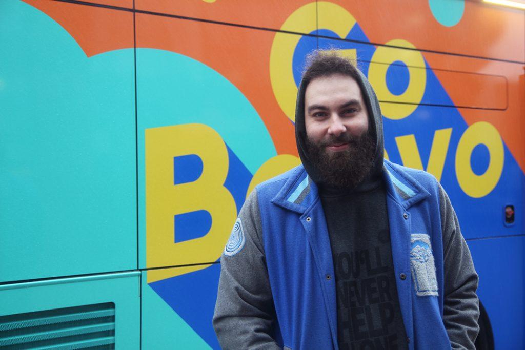 Dominik Bloh ist der Ideengeber für Hamburgs ersten Duschbus.