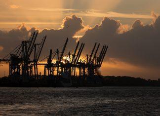 Laut Nachhaltigkeitsbericht der HPA sind im Hamburger Hafen rund 100.000 Tonnen Co2 eingespart worden. Foto: Pixabay
