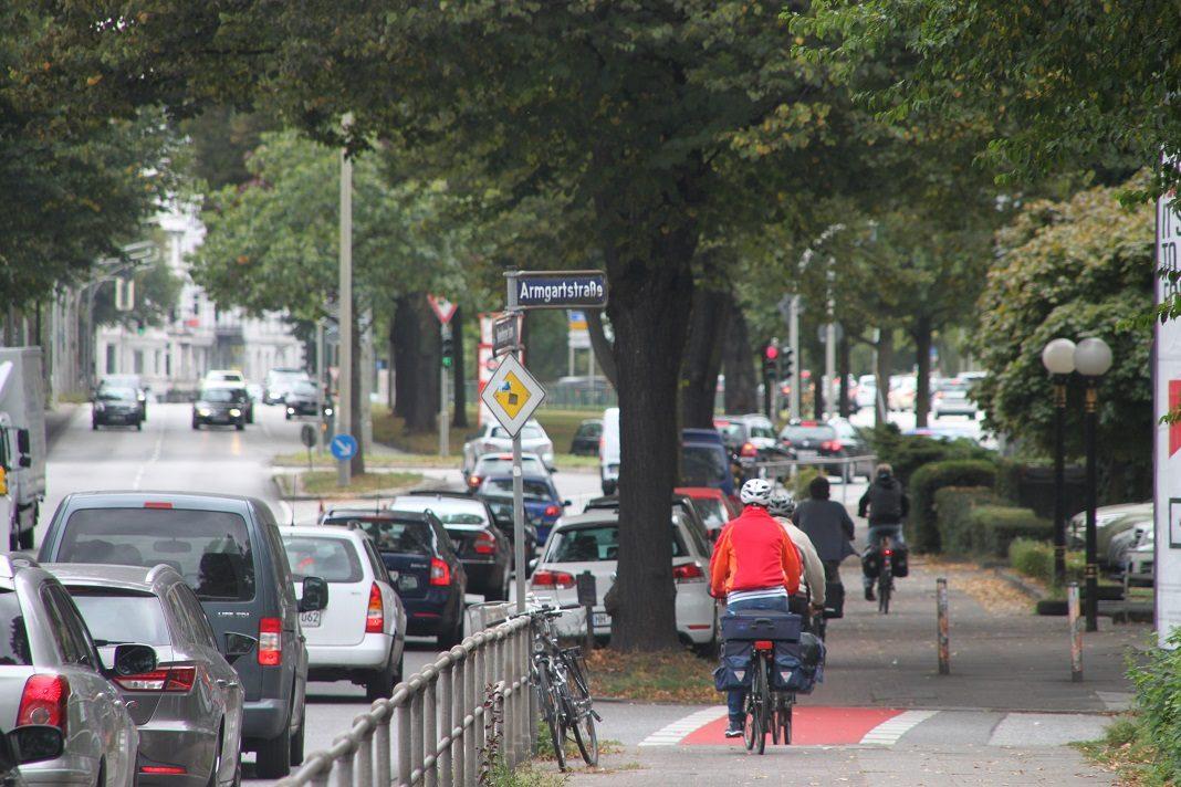 Der geplante Radweg am Mundsburger Damm stößt auf Kritik. Foto: ADFC/Ulf Dietze