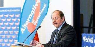 Dirk Nockemann am Rednerpult auf einem Parteitag der AfD