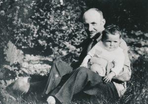 Brigitte Alexander und ihr Vater Fritz Solmitz, bevor Solmitz im KZ Fuhlsbüttel inhaftiert wurde.