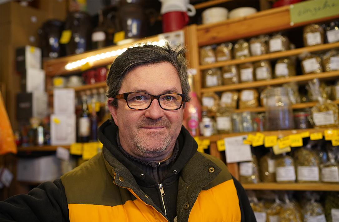 Portraitbild von einem Mann.