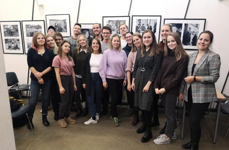 """Zum Thema """"Mobilität der Zukunft"""" tauschten sich zehn FINK.HAMBURG-Redakteurinnen mit russischen Studentinnen in der St. Petersburg State University aus."""