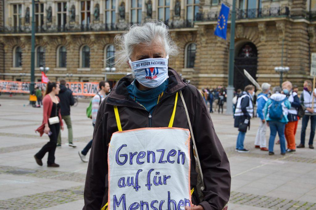 Doris Schneider ist Mitglied des Ausschwitz-Komitees. Sie weiß: 'Unsere Welt wird nicht von alleine besser. Sondern nur, wenn wir unsere solidarischen Seiten stärken.'