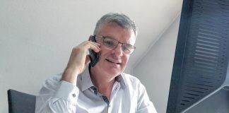 Markus Bissinger im Homeoffice am Telefon