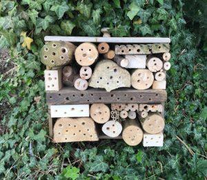 Selbstgebautes Bienenhotel