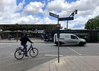 Auf dem Jungfernstieg sollen die Autos Platz machen für Bus- und Radverkehr.