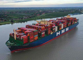 HMM ALGECIRAS-das-weltgrößte-Containerschiff-im-Hamburger-Hafen