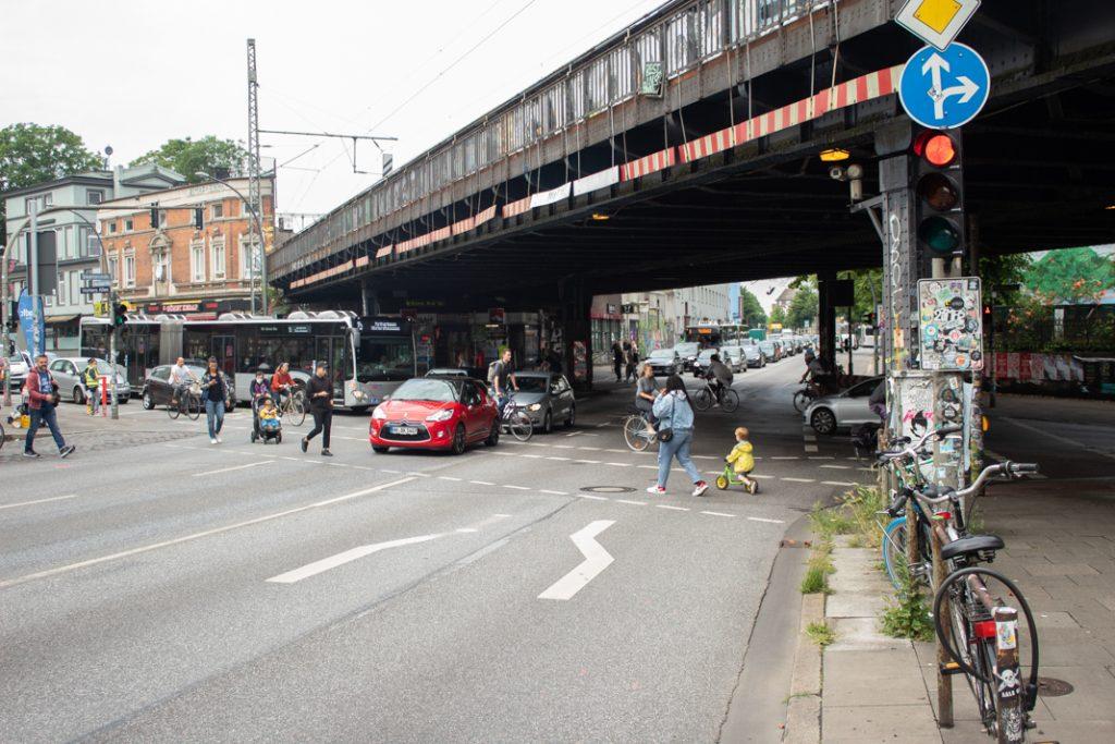Verkehrschaos an der Sternbrücke