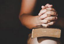 Missbrauch in der Kirche: Eine Betroffene berichtet. Bild: Freepik.