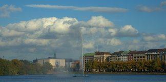 Die Zahl der in Hamburg lebenden US-Amerikaner ist in den vergangenen Jahren deutlich gestiegen. (Symbolbild Alster)