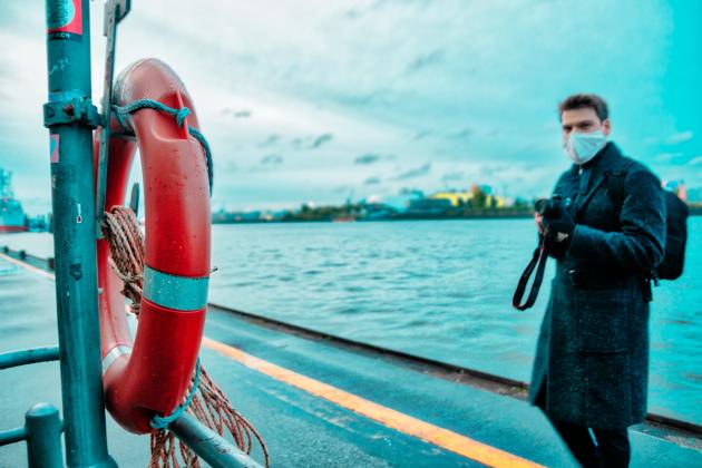 Rettungsring_am_Hafen
