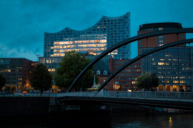 Sonnenaufgang_an_der_Elbphilharmonie