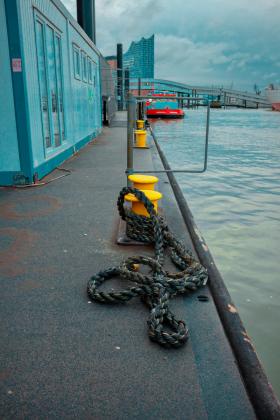 Verlassener Hafen