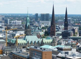 Ausblick über Hamburgs Innenstadt. Die Luft der Hansestadt ist im Bundesländer-Vergleich am schlechtesten.