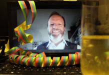 Prof. Mass feiert sein Dienstjubiläum digital.
