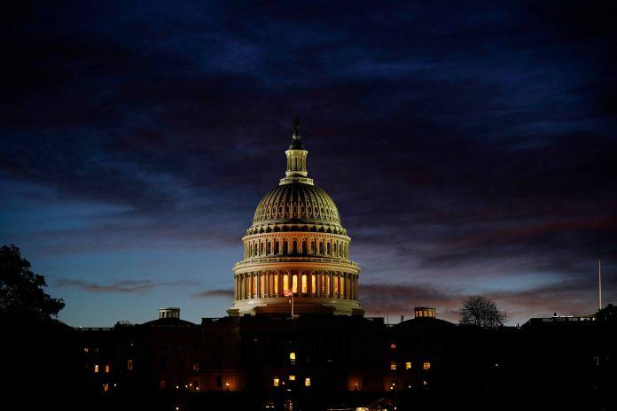 Die Demokraten haben laut Prognosen die Mehrheit im Repräsentantenhaus verteidigt. Foto: dpa