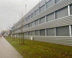 Parkhaus-am-Albertinen-Krankenhaus-in-Hamburg-Schnelsen