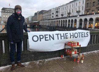 Mahnwache_Öffnet die Hotels für Obdachlose